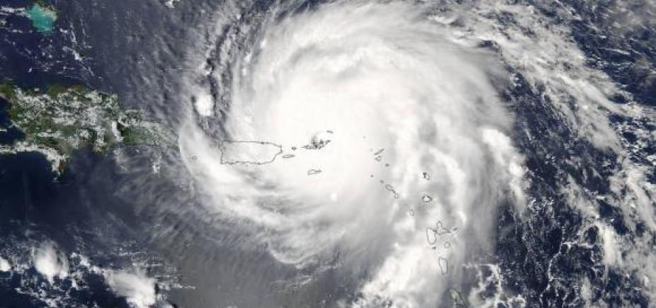 [Sobe para 17 o número de mortos pelo Furacão Irma; ventos são de 180 km/h]