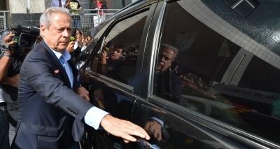 "Dirceu critica Palocci e diz que prefere ""morrer"" antes de delatar"