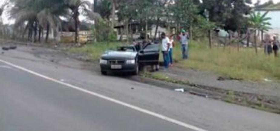 [Mulher morre e duas pessoas ficam feridas em colisão entre carro e ônibus na BR-101]