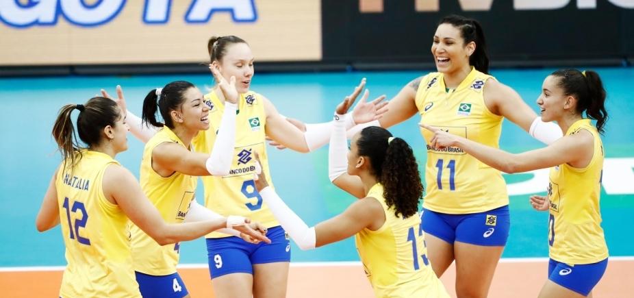 [Brasil vence EUA por 3 sets a 0 e conquista medalha de prata na Copa dos Campeões]