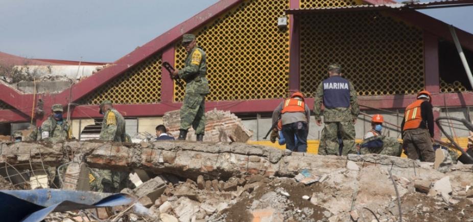 [Número de mortos em terremoto no México sobre para 90]