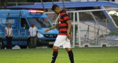 Vitória empata com o Fluminense por 2 a 2 e volta para zona de rebaixamento