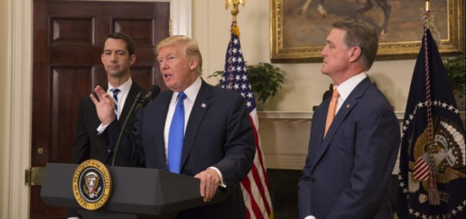 [Suprema Corte dos EUA retira parte das restrições do veto migratório de Trump]