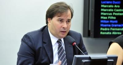 Possível denúncia contra Temer vai atrasar reforma da Previdência, avalia Maia