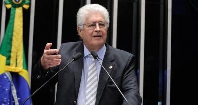 Requião volta a criticar Temer e reclama de cúpula do PMDB: