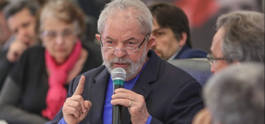 [Após 2h30, Lula termina de depor para Moro em Curitiba]