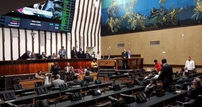 Nilo foge da imprensa após pronunciamento na Assembleia