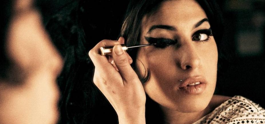 [Dia na História lembra vida conturbada e morte de Amy Winehouse; ouça]