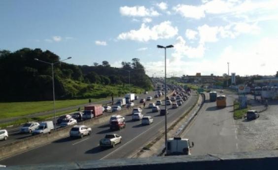 Manhã de congestionamento nas vias de acesso a Avenida Luis Eduardo Magalhães