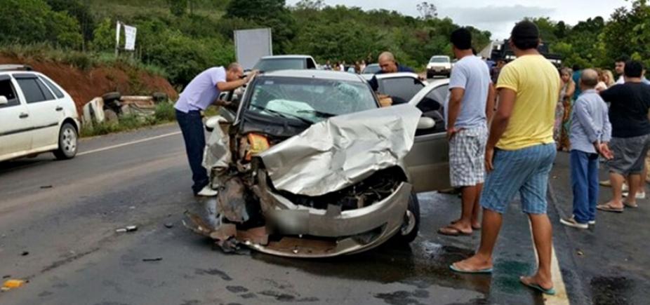 """[Diretor do Detran lamenta alto índice de acidentes na Bahia: """"Mais de 600 mil mutilados""""]"""