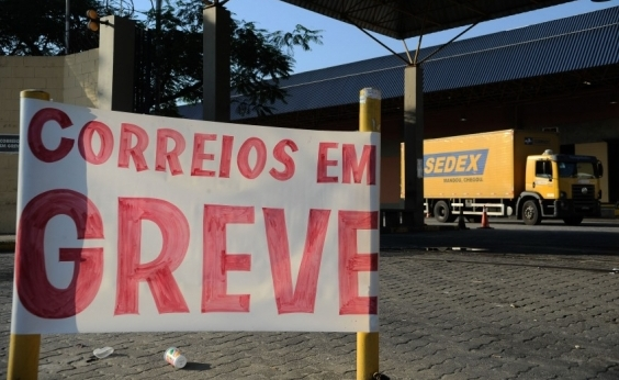 Trabalhadores dos Correios entram em greve na Bahia por tempo indeterminado