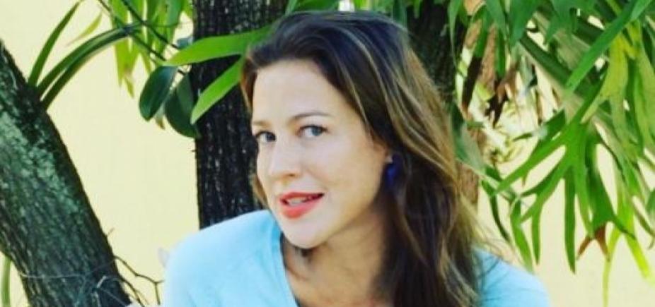 [Luana Piovani faz selfie de topless na rede social: \