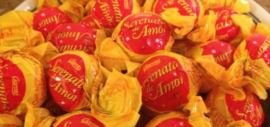 [Nestlé e Garoto anunciam fim da produção dos bombons Serenata de Amor e Chokito]