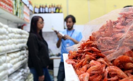 Mercado do Rio Vermelho tem 15 estabelecimentos notificados por desrespeito a leis do consumidor
