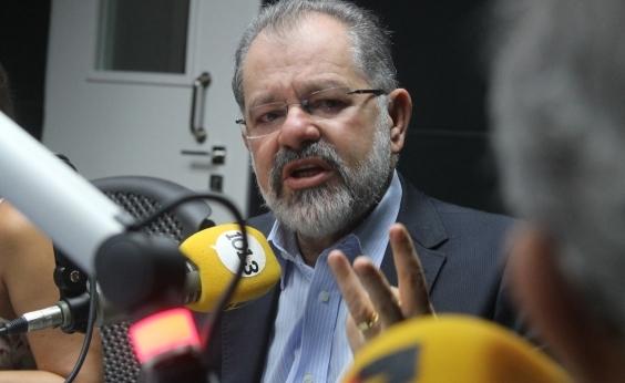 """Nilo lembra operação da PF e solidariedade de adversários políticos: """"Cabeça erguida"""""""