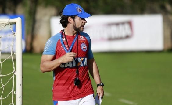 Preto faz testes no ataque do Bahia para enfrentar o Grêmio