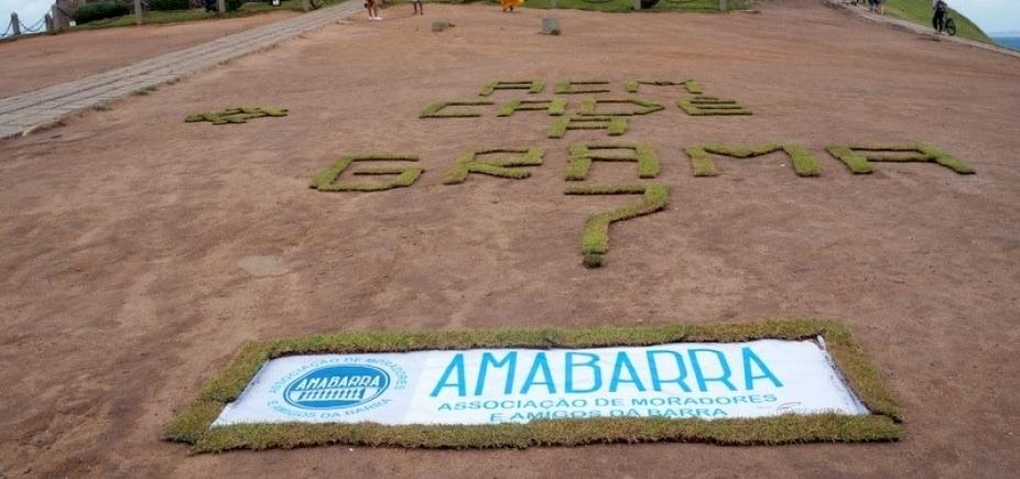 [Gramado do Farol sofre com descaso e presidente da Ama Barra ironiza:
