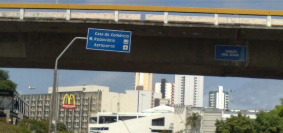 [Por conta de implantação de passarela, acesso ao viaduto Raul Seixas será fechado nesta sexta ]
