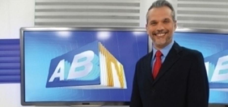 [Em coma, apresentador da Globo que foi vítima de bala perdida realiza pequenos movimentos]