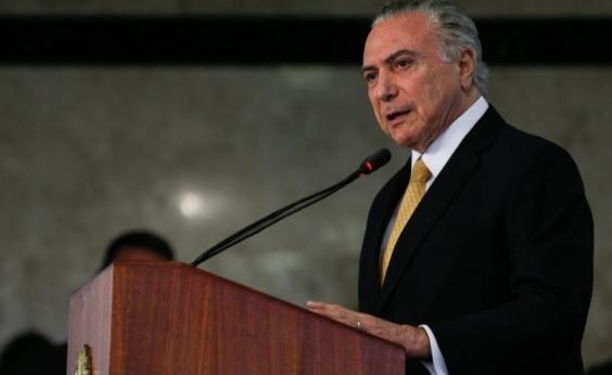 Com saída de Mariz, Eduardo Carnelós assume defesa de Temer