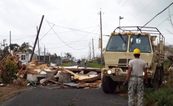 Três brasileiros são resgatados em ilha do Caribe atingida pelo furacão Maria