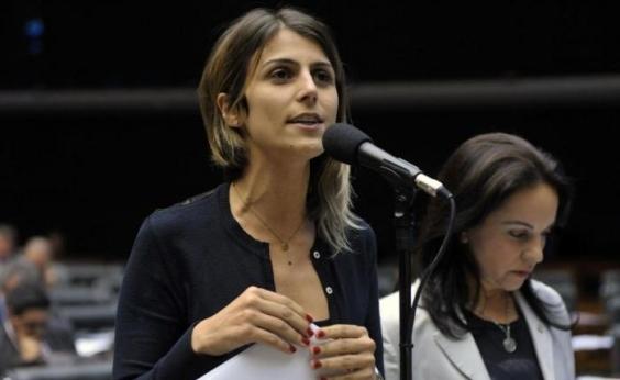 PCdoB pode lançar Manuela DÁvila como candidata a presidente, diz coluna