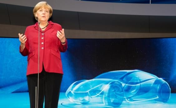 A gente esperava mais, mas formarei o governo, diz Merkel após vitória em boca de urna