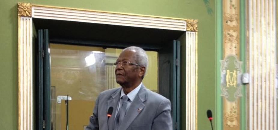 [Prefeitura tem ʹfebre incurável de arrecadarʹ, diz Edvaldo Brito sobre projeto que altera ISS]