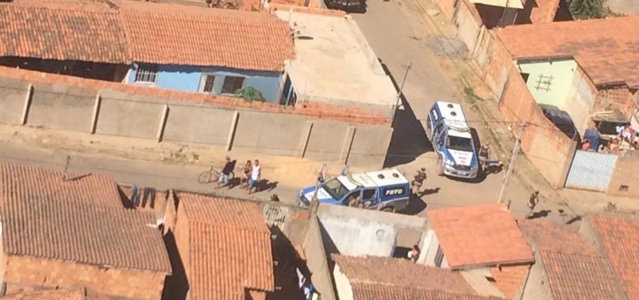 [PM realiza operação contra o tráfico de drogas em Barreiras]