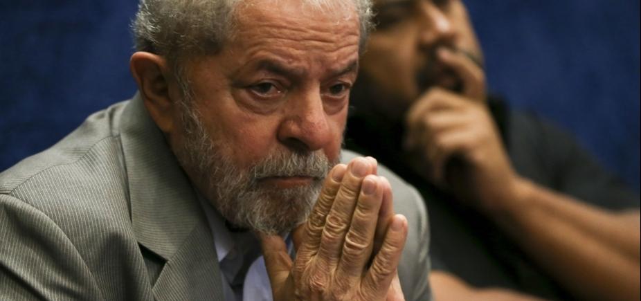 [Defesa de Lula apresentou recibos com datas inexistentes, diz jornal]