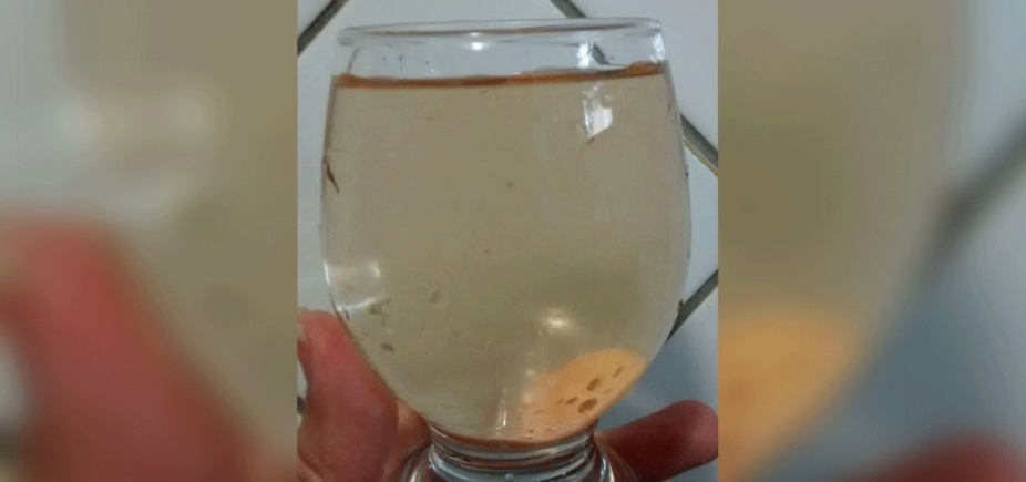 [Moradora reclama de água suja em torneiras no bairro de São Cristóvão]