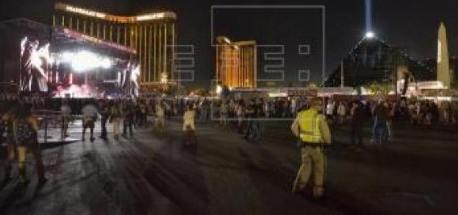 [Las Vegas: tiroteio deixa pelos menos 50 mortos e 200 feridos ]