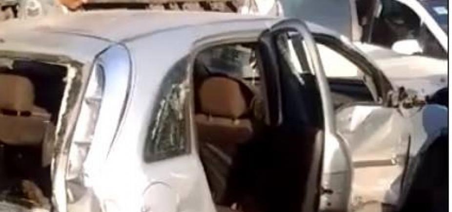 [Cinco pessoas ficam feridas em acidente envolvendo carreta e treze veículos na BR-324]