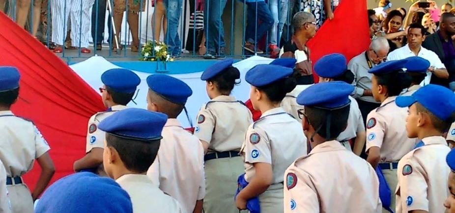 [Unidade escolar de Cajazeiras vai se transformar em Colégio da Polícia Militar]