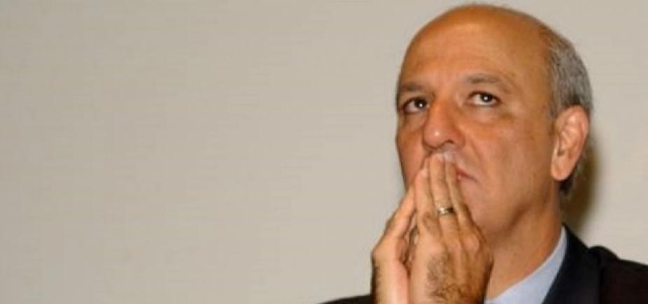 [Justiça absolve ex-governador da denúncia de fraude em licitação por amistoso do Brasil no DF]