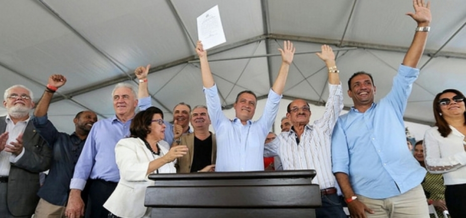 [Contrato para duplicação da rodovia Ilhéus-Itabuna é assinado por Rui Costa ]