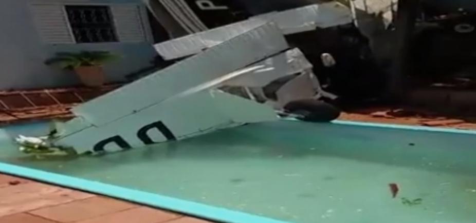 [Avião cai em quintal de residência em São Paulo e deixa três mortos]