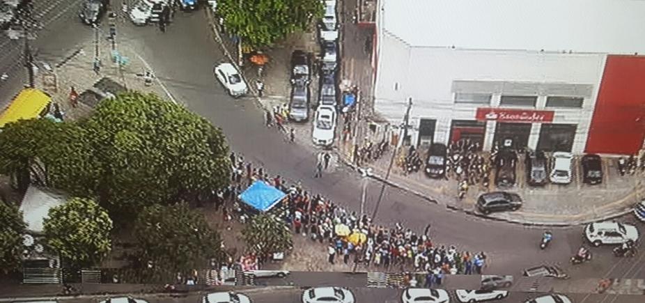 [Criminosos invadem agência bancária no bairro da Calçada]