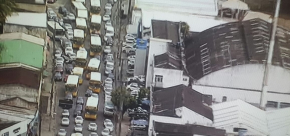[Cidade Baixa tem trânsito congestionado nesta terça-feira; confira ]