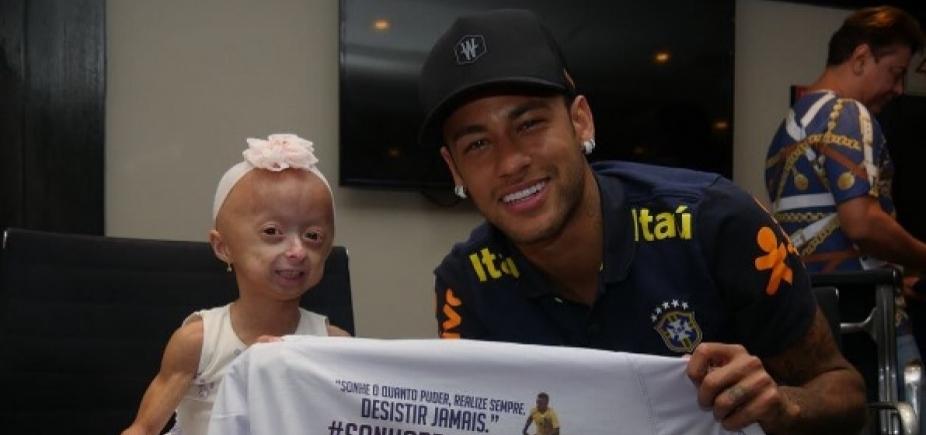 [Neymar realiza sonho de fã portadora de doença rara: \