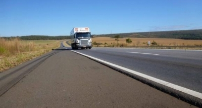 Operação da PRF vai restringir tráfego de veículos de carga pesada no feriado