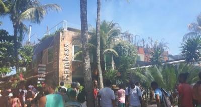 Incêndio atinge estabelecimentos comerciais em Morro de São Paulo na tarde desta quinta