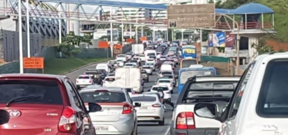 [ Batida entre dois carros deixa uma pessoa morta na Estrada do Coco]