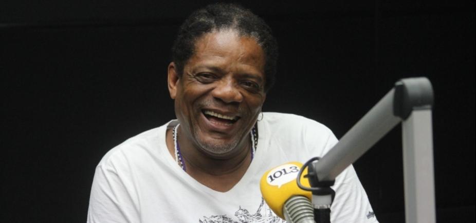 [Ex-motorista, Lazinho lembra trajetória até os vocais do Olodum: