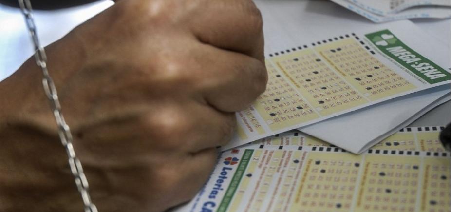 [Mega-Sena pode pagar R$ 2,5 milhões nesta terça-feira ]