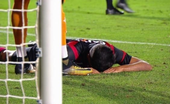 Vitória joga bem, mas vacila e cede empate ao Santos em 2 a 2