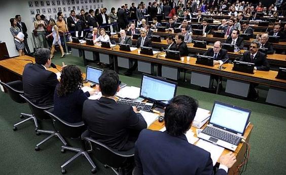 Relatório de denúncia contra Temer começa a ser discutido nesta terça na CCJ da Câmara
