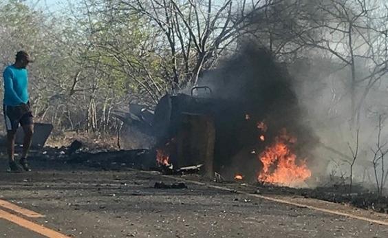 Carro-forte é explodido por bandidos na BA-122, na Chapada Diamantina