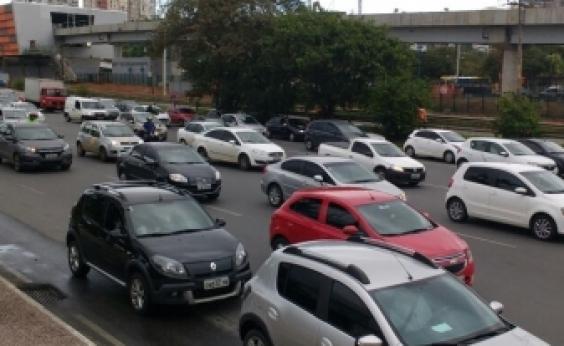 Manifestação complica o trânsito na região do Centro Administrativo