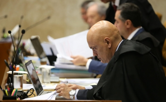 Ministro do STF ordena que voto no Senado sobre afastamento de Aécio Neves seja aberto